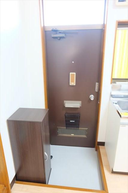 舘野コーポ 105号室の玄関