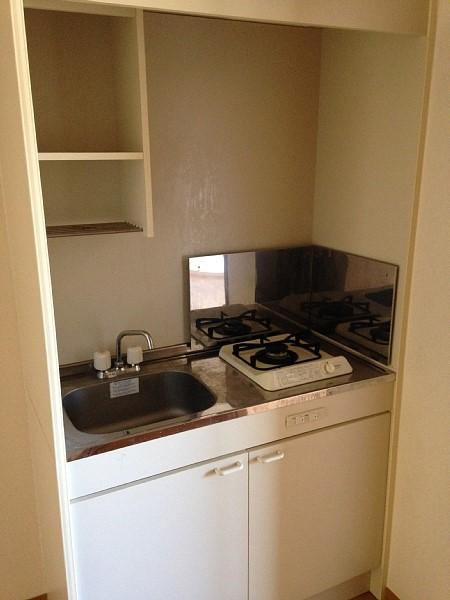 プライム植田 2F号室のキッチン