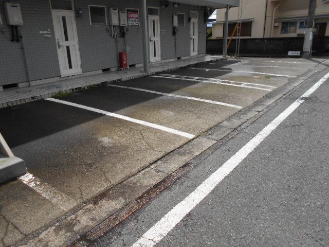 武美ハイツ 2B-2号室の駐車場