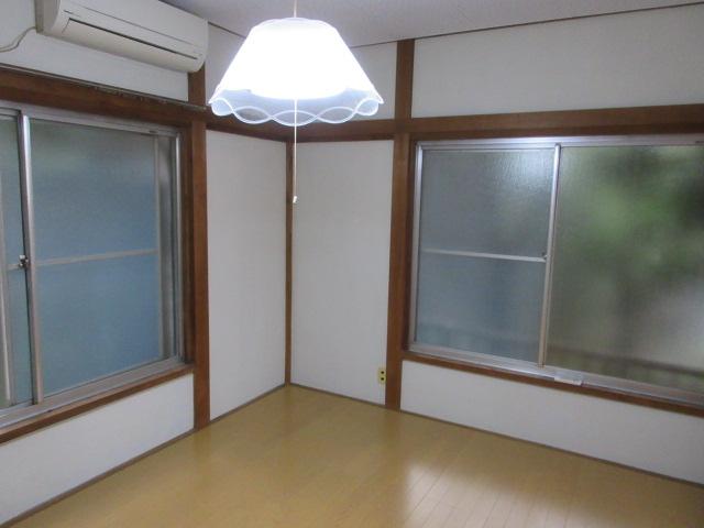 オーネットハイツ 102号室のベッドルーム
