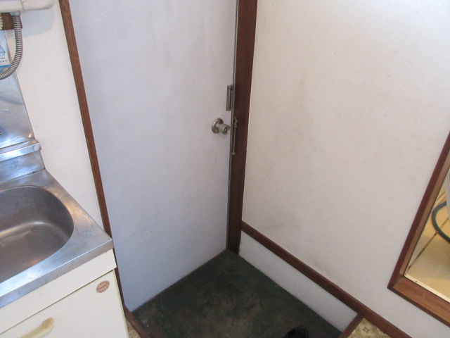 オーネットハイツ 102号室の玄関