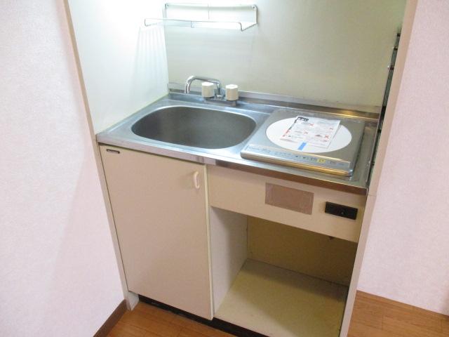 CREST VⅠ 103号室のキッチン