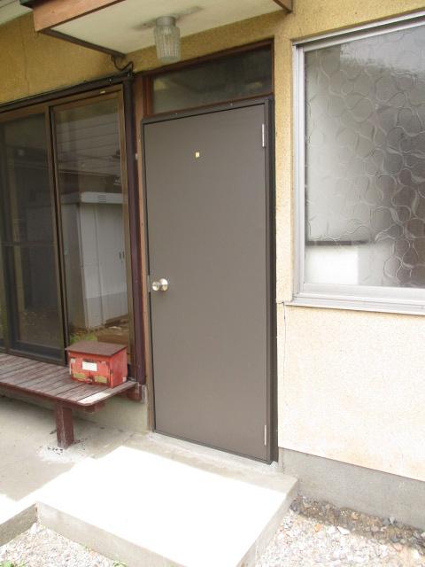 柿沼貸家の玄関