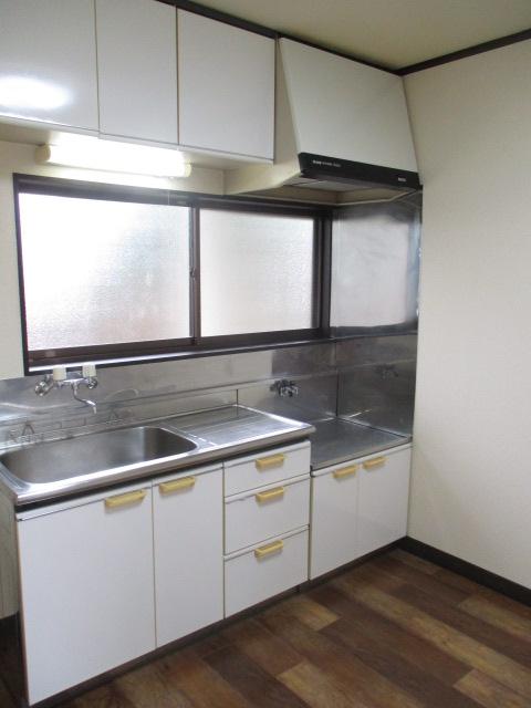 ノブレスコート 102号室のキッチン