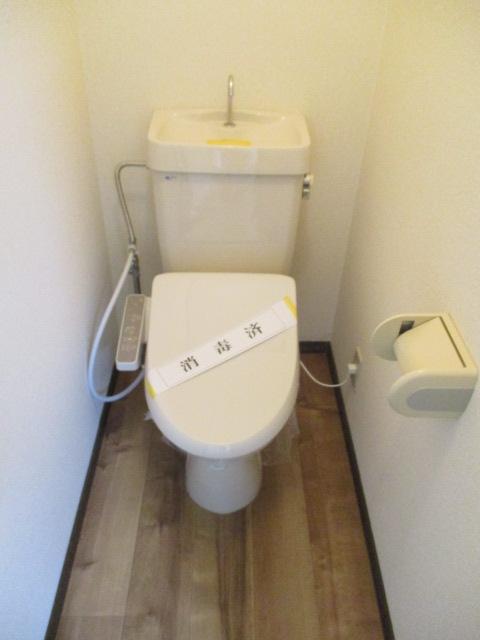 ノブレスコート 102号室のトイレ
