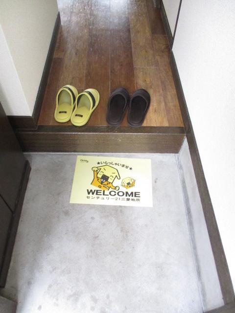 ノブレスコート 102号室の玄関