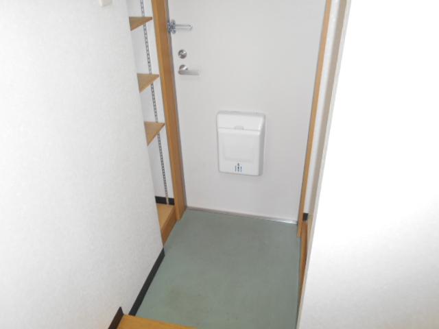 メゾン・ミヤマ 301号室の玄関