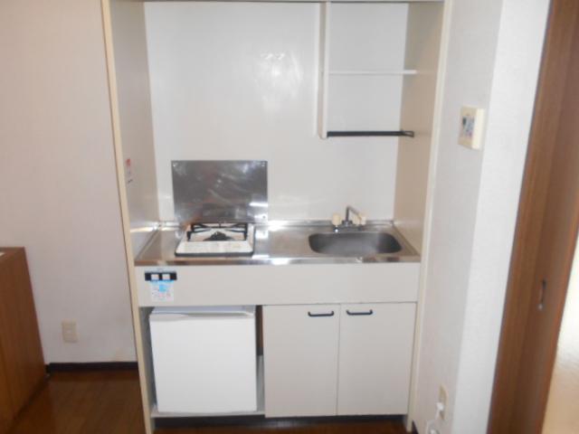 プチメゾン・ハイジ 101号室のキッチン