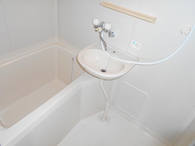 プチメゾン・ハイジ 101号室の風呂
