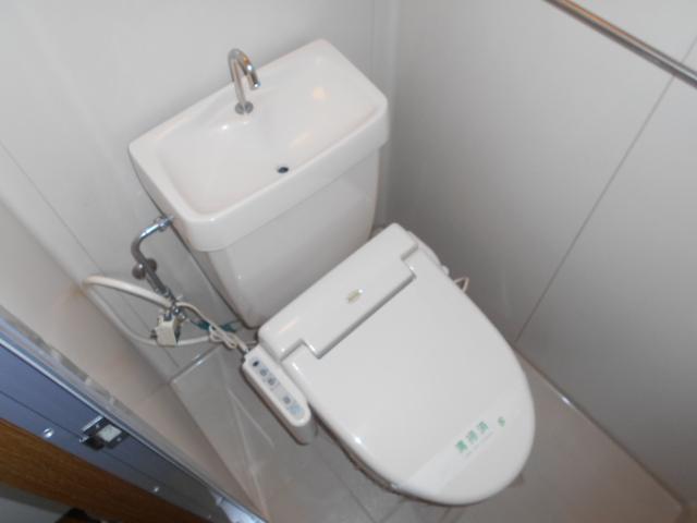 プチメゾン・ハイジ 101号室のトイレ