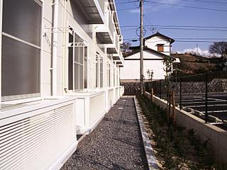 レオパレスリバーサイド室町 203号室のバルコニー