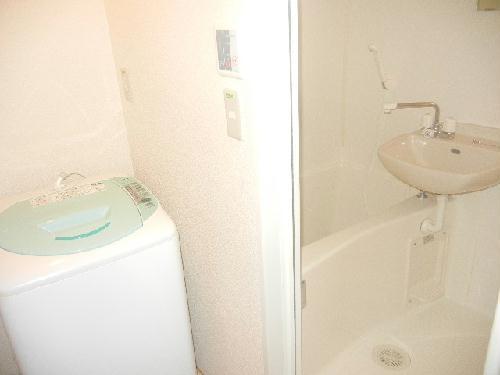 レオパレス栄華西Ⅱ 205号室の洗面所