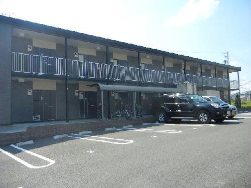 レオパレス栄華西Ⅱ 205号室の駐車場