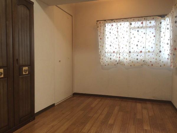 ネオシティ岡崎参番館 318号室のリビング