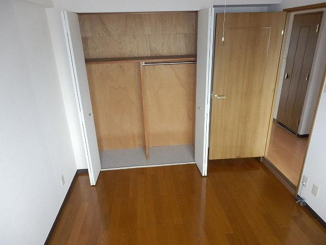 ネオシティ岡崎参番館 318号室の収納