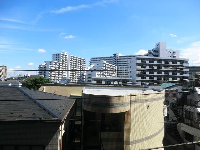 プレール・ドゥーク王子神谷 403号室の眺望