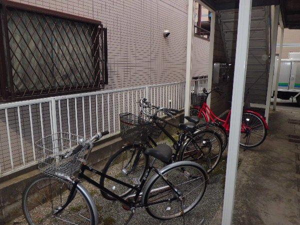 エステートピア金沢文庫 103号室の駐車場
