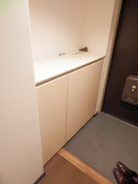 NICアーバンハイム二俣川 0101号室の玄関