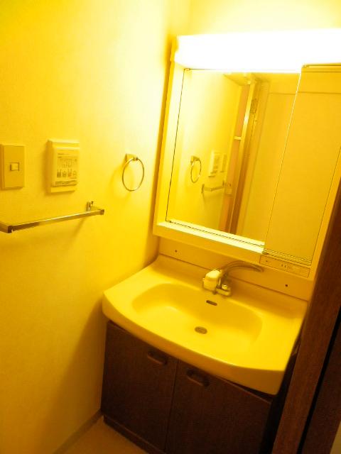 NICアーバンハイム二俣川 0101号室の洗面所