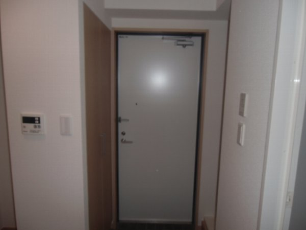 Plaza・M 202号室の玄関