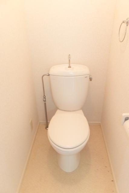 ベイハウスK 205号室のトイレ