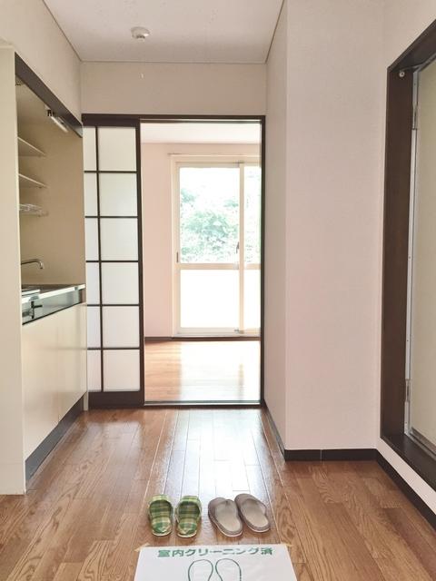 クローカス・コスギ 102号室の玄関