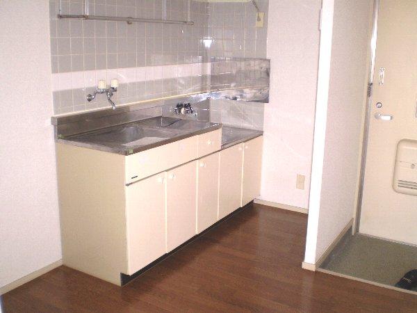 エルディム青柳A 01040号室のキッチン