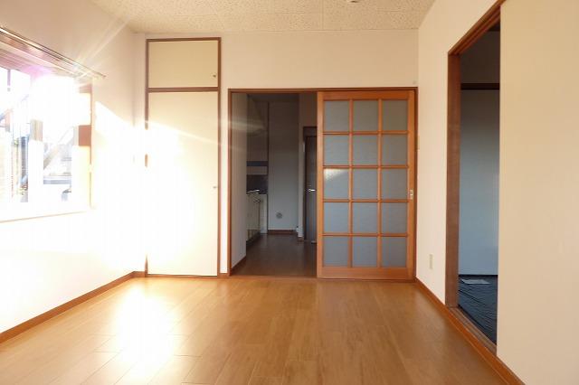 エルディムパークサイド 02010号室のリビング