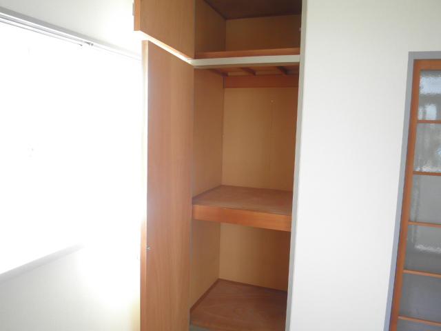 レインボウT・K 02040号室の収納