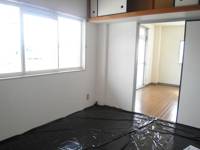 レインボウT・K 02040号室のベッドルーム