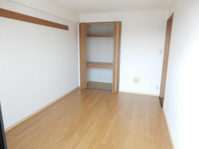 エスポワ-ルいずみ野 503号室の居室