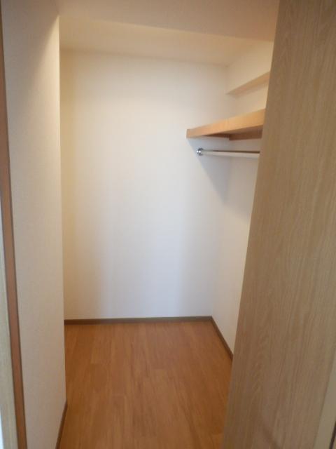 エスポワ-ルいずみ野 503号室の収納