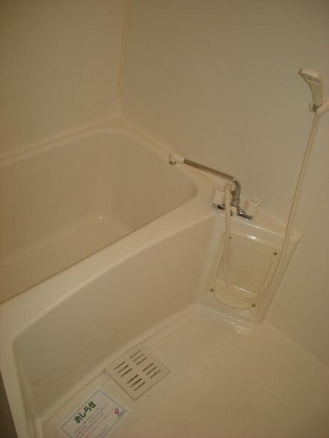 クラベ-ルⅡ 202号室の風呂