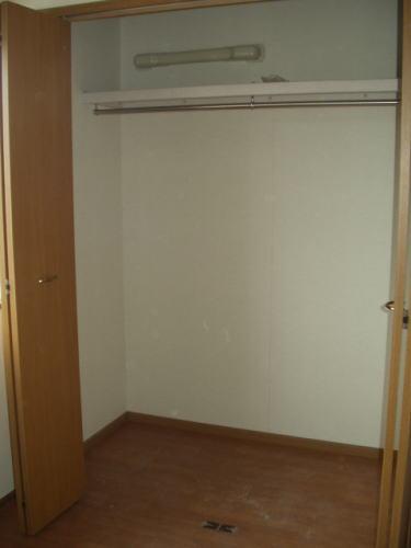 クラベ-ルⅡ 202号室の収納
