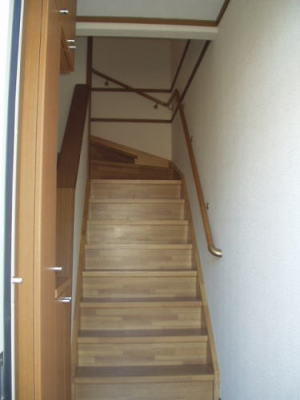 クラベ-ルⅡ 202号室の玄関