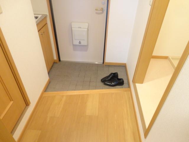 フィオーレ・エコー 213号室の玄関