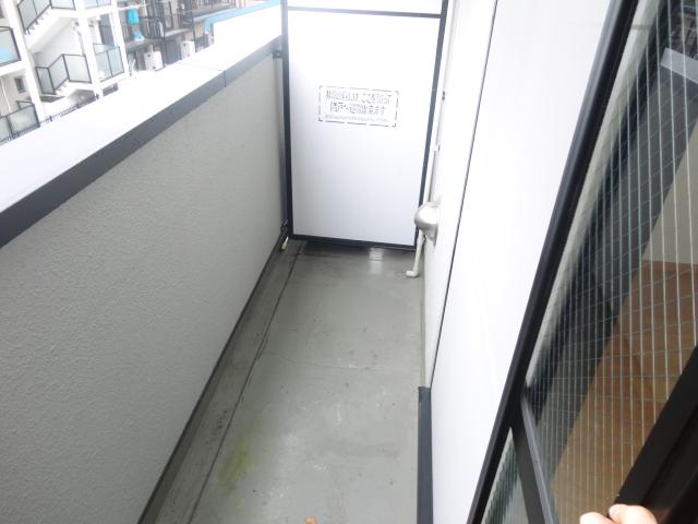 フィオーレ・エコー 213号室のバルコニー
