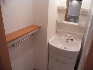 シャロル矢田 105号室の洗面所