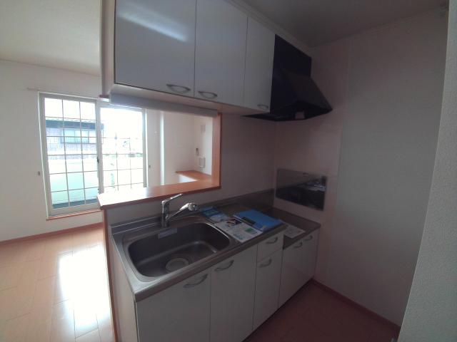 パティオ・ソレアードⅡ 02010号室のキッチン