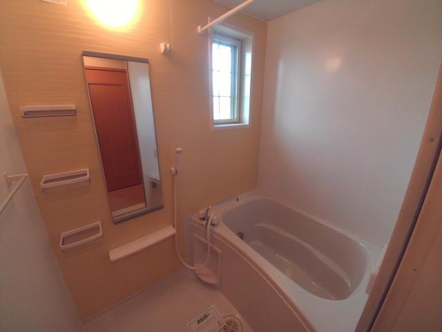 パティオ・ソレアードⅡ 02010号室の風呂