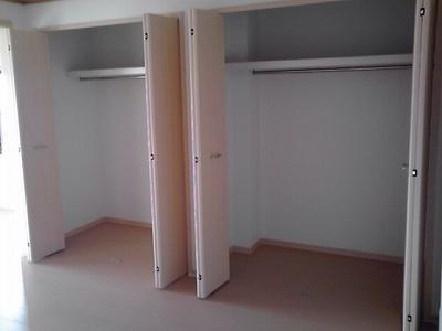 ロイヤルランド泉 303号室の収納