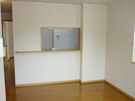 ウイステリア A 01020号室のリビング