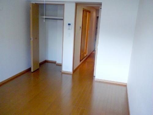 ヌーヴェル・バーグ 03040号室の玄関