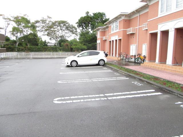 ボニート 欅 01030号室の駐車場