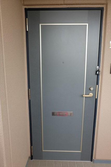 エレガンシア ルーナ 02010号室の玄関