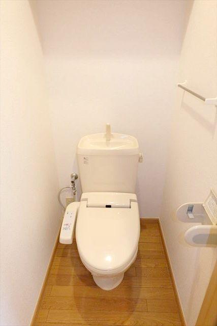 エレガンシア ルーナ 02010号室のトイレ