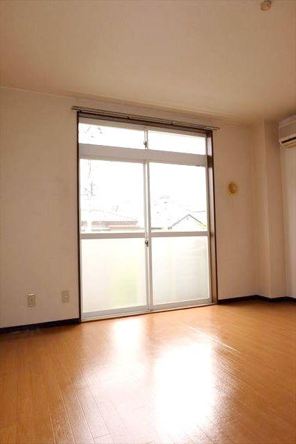 Kハイツ 102号室の居室
