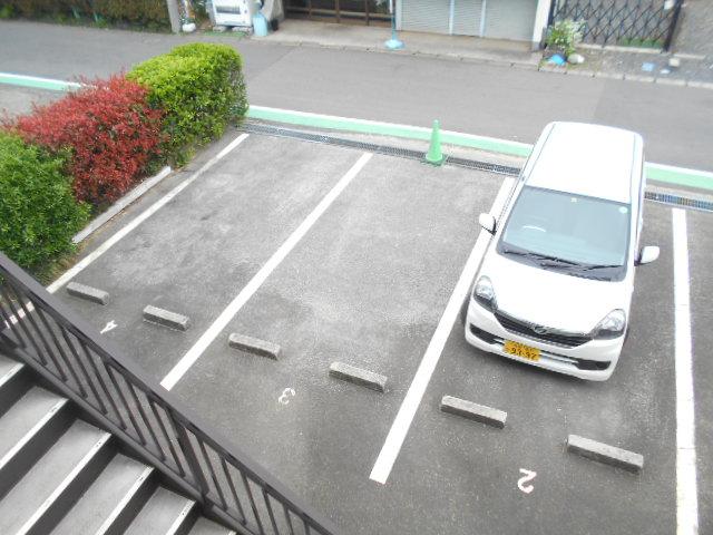 ドーミ-セイセキ 201号室の駐車場