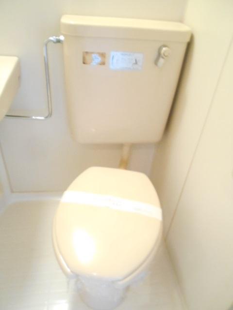 ドーミ-セイセキ 201号室のトイレ