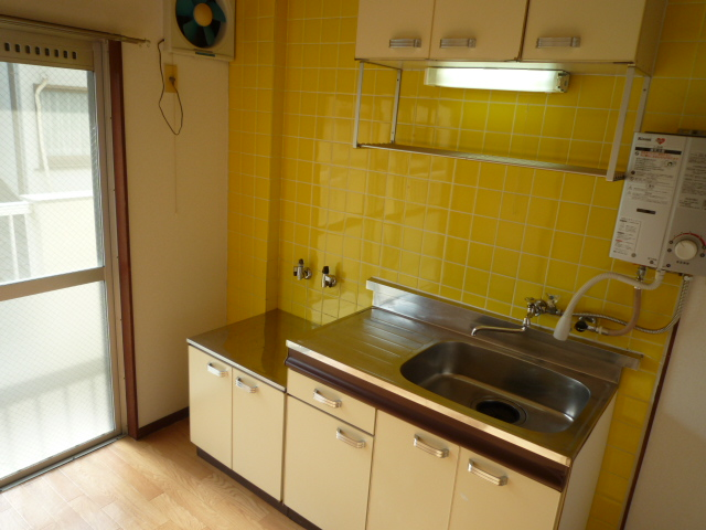 十王ハイツ 202号室のキッチン